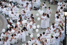 Diner en Blanc - Our table is in this shot!