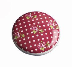 Knopje roses & dots leuk om je (oude) meubels mee te pimpen