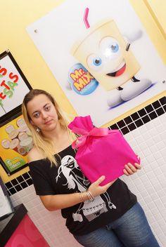 Rose de Souzza ganhou um Ipad no Concurso Cultural Escolha o Nome do Mascote do Mr. Mix, com a sugestão Shakelino.