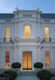Enterprise Constructions: Classic Architecture – Luxury Homes on Display, Builders Melbourne