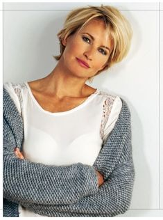 Short blonde haircuts & hairstyles have always been very popular among active and stylish women. Haircut Trends 2017, Hair Trends, Haircut For Older Women, Short Hair Cuts For Women, Short Cuts, Medium Hair Styles, Short Hair Styles, Trending Haircuts, Short Blonde