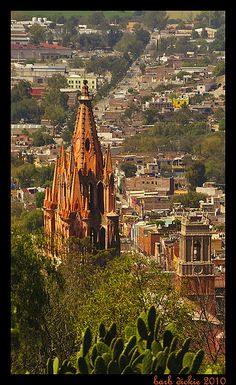 San Miguel de Allende, Mexico Artist community and one of the famous colonial cities surrounding Mexico city Places Around The World, Oh The Places You'll Go, Great Places, Places To Travel, Beautiful Places, Places To Visit, Around The Worlds, Las Vegas, Romantic Vacations
