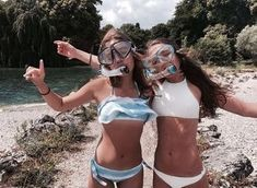 Image discovered by Julia Spruit. Find images and videos about girl, summer and beach on We Heart It - the app to get lost in what you love. Photos Bff, Bff Pictures, Best Friend Pictures, Summer Pictures, Friend Photos, Beach Pictures, Videos Instagram, Photo Instagram, Disney Instagram