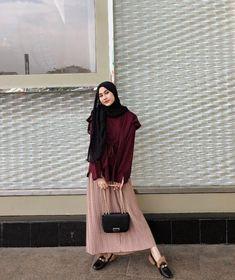 Modest Fashion Hijab, Modern Hijab Fashion, Street Hijab Fashion, Casual Hijab Outfit, Hijab Fashion Inspiration, Ootd Hijab, Hijab Chic, Muslim Fashion, Girl Hijab