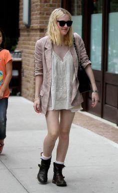 Dakota Fanning Fashion and Style - Dakota Fanning Dress, Clothes, Hairstyle - Page 20