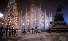 Magica e preziosa...piazza Duomo sotto la neve: dicembre 2012.   Milano I love you!