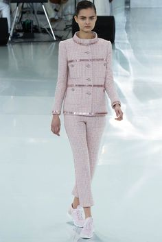 chanel-haute-couture-spring-2014-show27.jpg