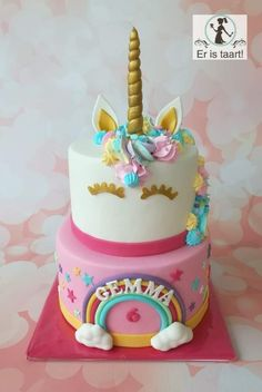 Pink Rainbow unicorn cake