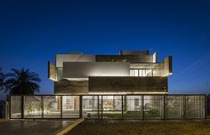 Residence 414 / Charged Voids
