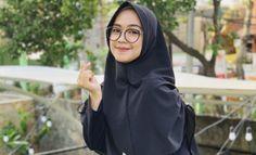 Biodata, Profil, Fakta Unik dan Foto Ria Ricis Youtuber Indonesia Kebaya Muslim, Foto Bts, Olympia, All In One, Youtubers, Dan, Style Inspiration, Instagram, Wallpaper