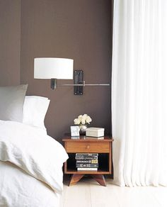 dark+taupe+wall+bedroom