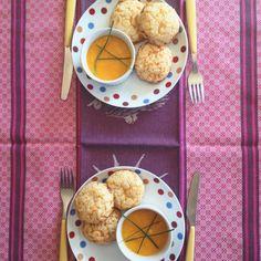 Pão de queijo é amor | http://comalaemcasa.com.br/2016/02/pao-de-queijo/
