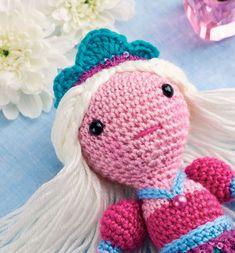 Вязаная кукла принцесса Амелия: схема вязания крючком и описание игрушки амигуруми от Жанин Холмс.