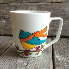 Tasse café Oiseau jaune et bleu, Bird mug, peint à la main par Isabelle Malo de la boutique IsamaloArtiste sur Etsy