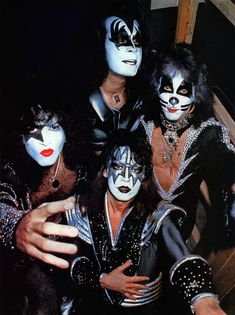 Kiss Images, Kiss Pictures, Paul Stanley, Gene Simmons, Bruce Dickinson, Heavy Metal, Eric Singer, Los Kiss, Banda Kiss