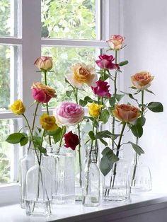 Come rendere stilosi i davanzali interni delle finestre - Vasi con rose