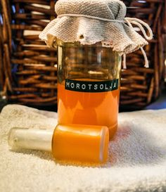 diy carrot oil/morotsolja: http://bjorkvagen1.blogspot.se/2014/01/gor-din-egen-morotsolja.html