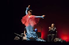 """""""Los grandes bailarines no son geniales por su técnica, son geniales por su pasión""""  Martha Graham- En la foto es Laura Santamaría"""