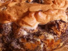 Az egyszerű mákos guba sütés nélkül készül. Az eredeti mákos guba recept szerint cukros tejjel leöntjük a karikára vágott szikkadt kiflit, megszór Torte Cake, Hungarian Recipes, Cheesesteak, Tiramisu, Food To Make, Food Porn, Pork, Food And Drink, Sweets