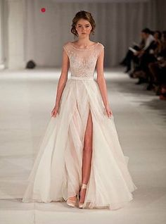 2015 White New Custom Size Bridal Gowns Appliqued Chiffon A-Line Wedding Dresses