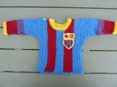 Baby bluse i strik. Knitted for my newborn grandchild, in 100 % wool. Own idear !