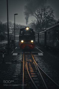 Zug ins Wochenende by heiko-doehrling-photographie  Transport Nikon Reise Licht Farbe Verkehr Dampflok Color Key Geschichte heiko-doehrling-photographie