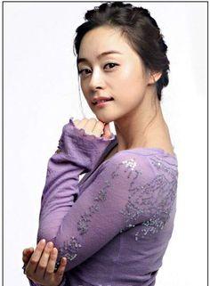 Woo Hee-jin (우희진) - Picture @ HanCinema :: The Korean Movie and Drama Database Woo Hee Jin, Jin Photo, Photo Galleries, Drama, Dish, Korean, Movie, Actresses, Gallery