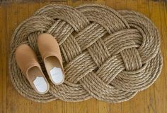 DIY: Woven Rope Doormat by Erin Boyle. Instructions recommend trying a small version first. Could do this for the dollhouse. DIY: Woven Rope Doormat by Erin Boyle. Instructions recommend trying a small version first. Could do this for the dollhouse. Nautical Looks, Nautical Rope, Nautical Table, Nautical Signs, Nautical Wreath, Nautical Cards, Nautical Anchor, Rope Crafts, Diy Crafts