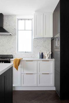 marble herringbone tiles in modern white and black kitchen. Kitchen Interior, Kitchen Design, Kitchen Ideas, Cafe Design, House Design, Marble Herringbone Tile, Maximalist Interior, California Bungalow, New York Loft