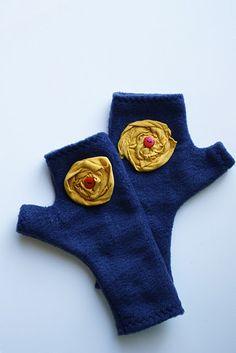 Fleece fingerless mittens
