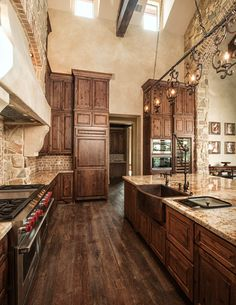 Classy Contemporary Italian Kitchen Design Ideas Love the rustic floor, brick and stone walls, copper sink, light and dark mix Cool Kitchens, Rustic Kitchen Design, Stone Accent Walls, Kitchen Remodel, Italian Kitchen Design, Rustic Flooring, New Kitchen, Italian Kitchen, Rustic Kitchen