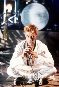 David Bowie, London, around '97 — vezzipuss.tumblr.com