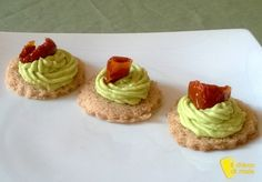 Mousse salate per tartine vol au vent e antipasti vari Menu Planners, Beautiful Fruits, Antipasto, Yummy Appetizers, Guacamole, Cake Cookies, Pesto, Barbecue, Tapas