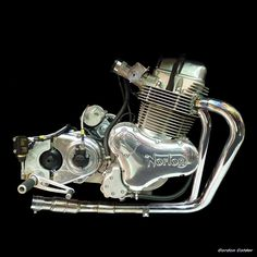 No 86: NORTON COMMANDO 961 (CAFE RACER) ENGINE by Gordon Calder, via Flickr