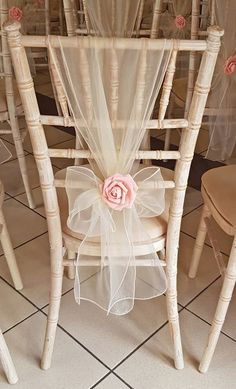 38 Wedding Chair Decoration Ideas for Indoor and Outdoor - The First-Hand Fashion News for Females Chiavari Chairs Wedding, Wedding Chair Sashes, Wedding Chair Decorations, Wedding Chair Covers, Decoration Evenementielle, Rosa Rose, Ribbon Wedding, Tulle Wedding, Diy Wedding