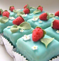 Cupcake and Sons: Fondant fancies in vloeibare fondant