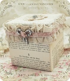 Pretty paper craft box