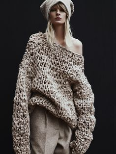 Le Nouveau Tricot Vogue Netherlands Irene Hiemstra by Duy Vo Knitwear Fashion, Knit Fashion, Fashion Photo, Love Knitting, Beginner Knitting, How To Purl Knit, Fashion Moda, Latest Fashion, Mode Inspiration