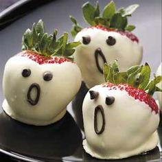 """So cute and a healthy idea for Halloween snacking! We loved it when we saw it - the bears have named them, """"Strawberry Screams"""" GiantTeddy.com"""