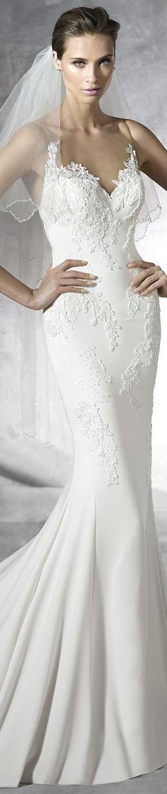 PRONOVIAS PLISA WEDDING DRESS
