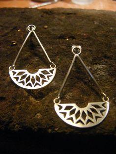 Silver Handmade Long Earrings por AfaJewelry en Etsy