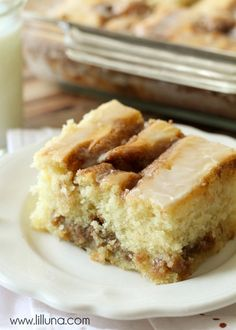 One of the best recipes you'll ever try - Cinnamon Roll Cake. SO. GOOD!! { lilluna.com }