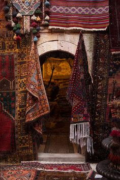 Carpet store at Turkey.by Milles Studio Persian Decor, Iranian Art, Night Aesthetic, Magic Carpet, Arabian Nights, Persian Carpet, Islamic Art, Aesthetic Wallpapers, Morocco