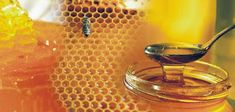 It's truly amazing to know about A single bee produces only of a teaspoon of honey in its lifetime and thousands of bees can produce over 200 pounds of honey within a year. Honey Benefits, Manuka Honey, Shades Of Gold, Things To Know, Holidays And Events, Superfood, Punch Bowls, Home Remedies, Sweet Recipes