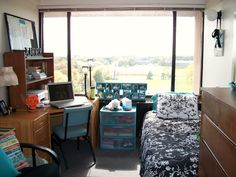 6 Tips for Keeping Your Dorm Room Organized » Apartment Living Blog » ForRent.com : Apartment Living