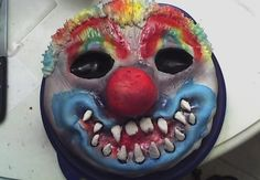Scary Clown Cake My 16 yr old son wanted a Clown cake that resembled his halloween mask for his birthday. Halloween Clown, Scary Halloween Cakes, Clown Party, Creepy Clown, Halloween Party, Halloween Ideas, Clown Cupcakes, Clown Cake, Cupcake Cakes