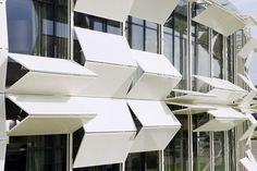 Dynamic façade – Kiefer technic showroom by Ernst Giselbrecht + Partner
