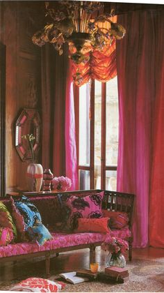 Tricia Guild the power of colour & love the Murano chandelier