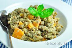 Zdravý šošovicový prívarok so sladkými zemiakmi | fitrecepty.sk Tofu, Grains, Vegan Recipes, Rice, Lunch, Dinner, Cooking, Healthy, Fitness