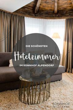 Das Turmzimmer im Sonnhof Alpendorf ist eine elegante Version um auch im Romantikurlaub mal kurz seine Ruhe zu haben. Der Wohnbereich ist nämllich abgetrennt. #vollsonnhof #salzburgerland #boutiquehotel #romantikurlaub #liebesurlaub #urlaubzuzweit #josalz Places, Table, Hotels, Furniture, Home Decor, Living Area, Alps, Remodels, Homes